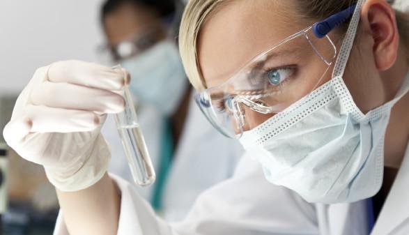 Wissenschafterin forscht im Labor © Darren Baker, stock.adobe.com