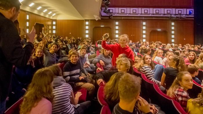 Improtheater mit SchülerInnen © R.Picha