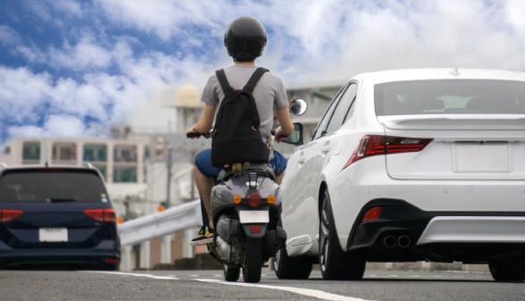 Auto und Moped © Xiaosan, stock.adobe.com