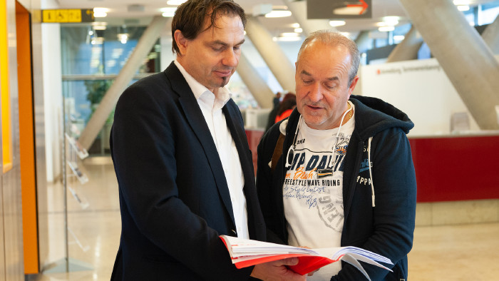 Erfolg vor Gericht: Jurist Günter Hahnenkamp und Stanislav C. © Erwin Schuh