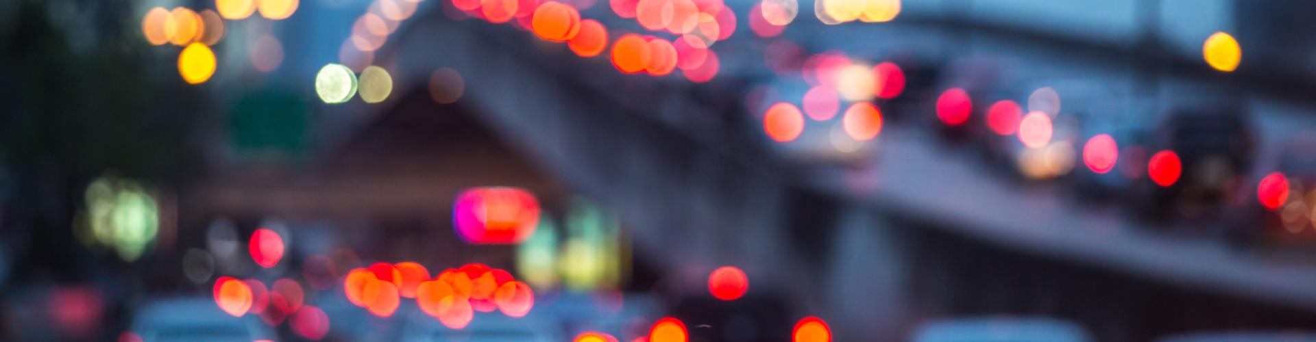 Lichter aus dem Straßenverkehr © Adobe, Adobe