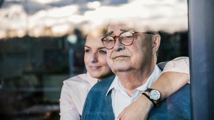 Pflege eines Angehörigen © Westend61, Getty Images