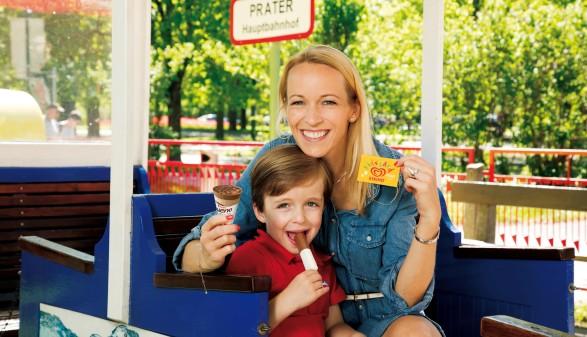 Mutter mit Kind © Unilever